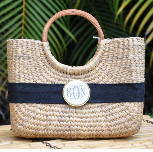 Queen Bea Monogrammed Mini Scrimshaw Basket Queen Bea Monogrammed Mini Scrimshaw Basket Apparel & Accessories > Handbags