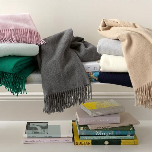 Matouk Soledad Cashmere Soft Lambswool and Angora Throw  Home & Garden > Linens & Bedding > Bedding > Blankets > Throws