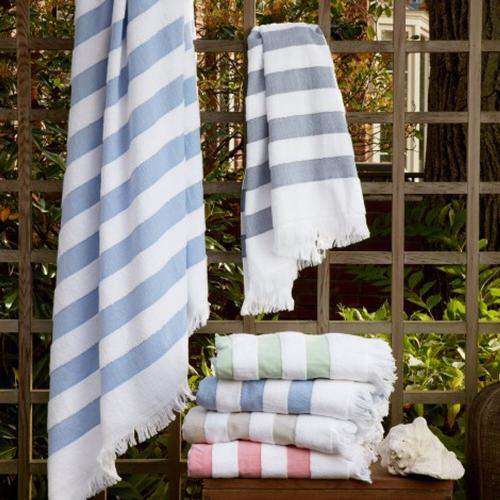 Matouk Amado Cotton Beach Towel  Home & Garden > Linens & Bedding > Towels > Beach Towels