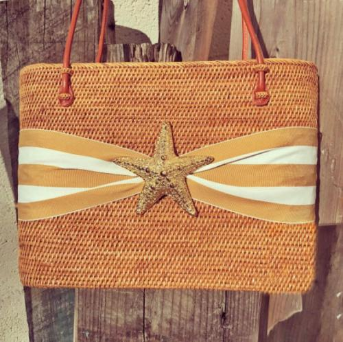 Large Oval Bali Bag Striped Bow and Gold Starfish Large Oval Bali Bag Striped Bow and Gold Starfish Apparel & Accessories > Handbags > Shoulder Bags